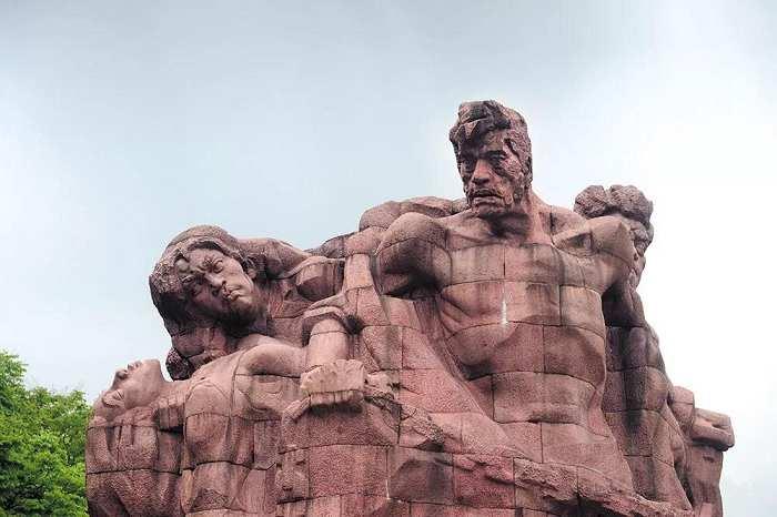 气运雕像-叶毓山先生竞博投注中的气息欣赏